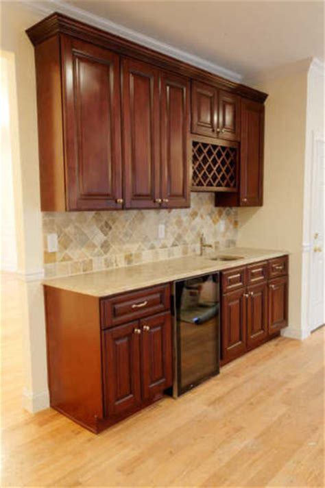 king kitchen cabinets brown kitchen cabinets pacifica door style kitchen