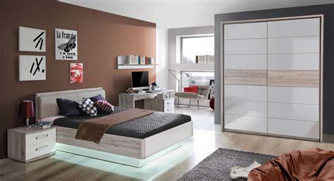 futonbett 140x200 weiß wandtattoo schlafzimmer