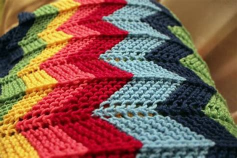 how to knit a zig zag blanket zig zag crochet baby blanket pattern free squareone for