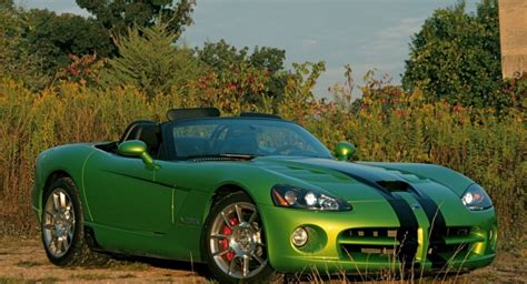 rumor  dodge viper      corner automotorblog