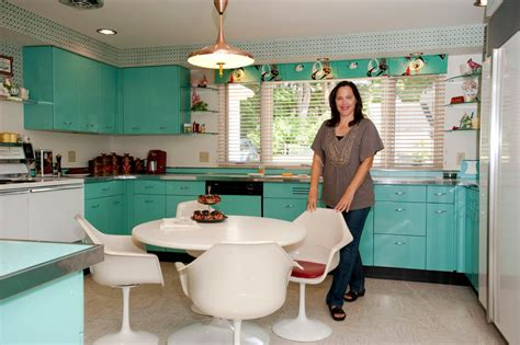 Restoring The Retro House The New York Times