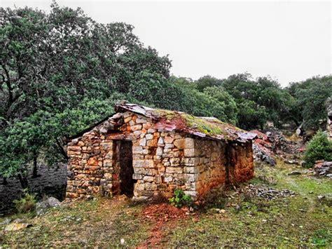 casas abandonadas madrid casas abandonadas en madrid amazing chal del corcho