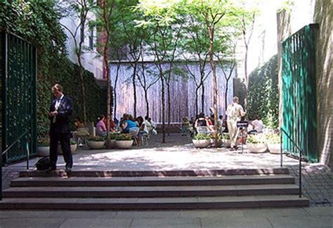 Red Blind Paley Park Midtown Manhattan New York City Ny