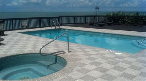 bathtub bay florida pool hot tub overlooking the bay picture of long key florida keys tripadvisor