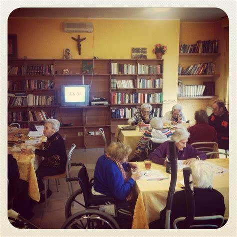 attività per anziani in casa di riposo casa di riposo per anziani e spazi comuni domus santa