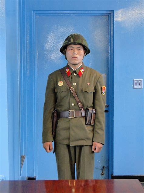 Door Guard Korea Putih korea border area