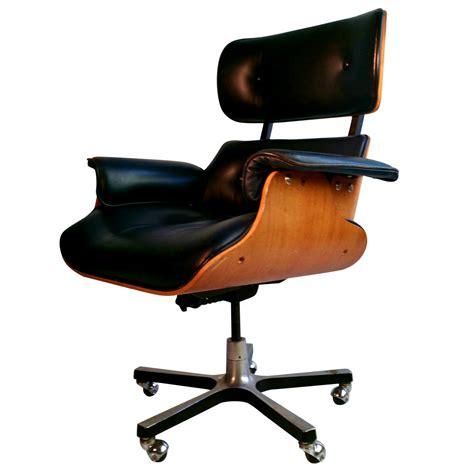 eames lounge chair knock eames chair knock eareco eames lounge chair