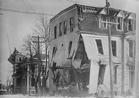 100 floor building with bomb what to do 파일 halifax explosion aftermath loc 1 retouched jpg 위키