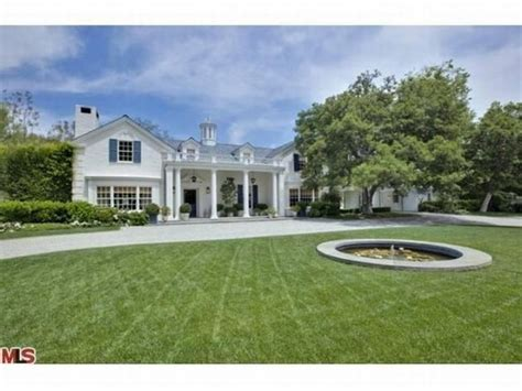 Lori Loughlin House by Lori Loughlin And Mossimo S House For Sale In Bel