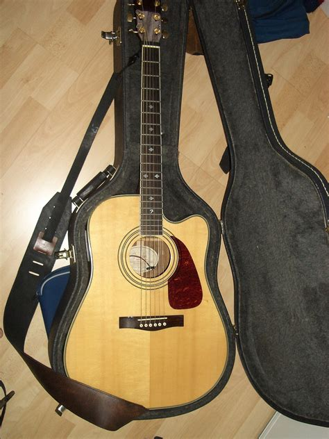 Gitar Akustik Elektrik 2 acoustic electric guitar