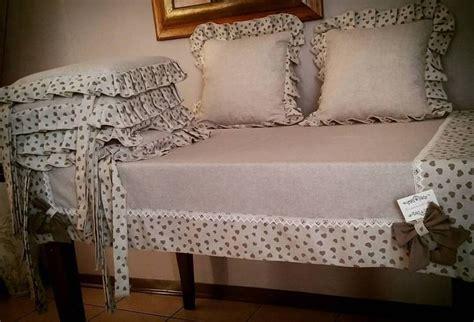 cuscini x sedie coordinato tovaglia piu cuscini per sedie e 2 per divano