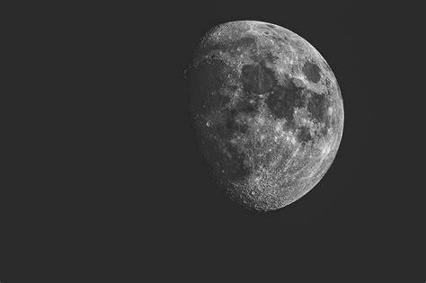 les usa ordonnent  la nasa de retourner sur la lune dici