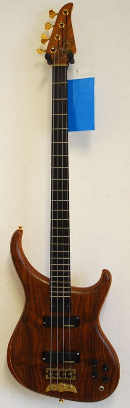 California String - alembic 4 string bass california walnut showroom
