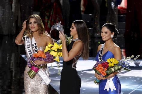 Miss Usa Falls Fails At by The Wrong Miss Universe And Other Pageant Flubs Falls And