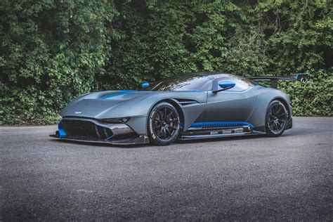 custom aston martin vulcan newmotoring two hours alone with the aston martin vulcan