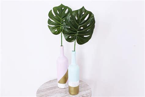 aus flaschen vasen machen deko vasen aus alten flaschen basteln