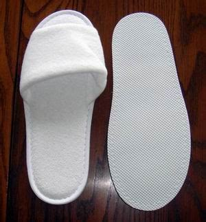 bulk spa slippers crazyoverstock 50 white terry spa comfort slippers