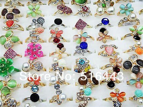 50pcs Rhinestones Gold P Rings Wholesale Jewerly Lots Free Ship 2017 wholesale charms rhinestones pearl