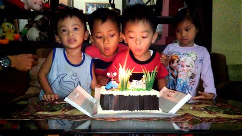 Lilin Birthday Biru Lilin Ultah Birthday Candles Lilin Ulang Tahun kegembiraan anak saat meniup lilin kue ulang tahun my sons