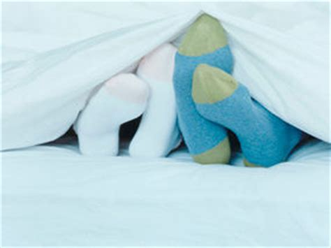 cold feet in bed solved why sole mates get cold feet at bedtime uk