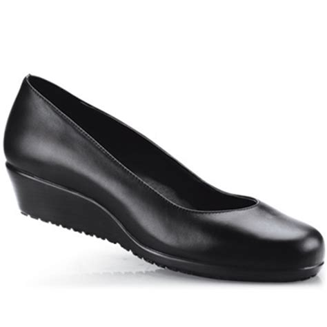 most comfortable work shoes women choosing the right comfortable shoes