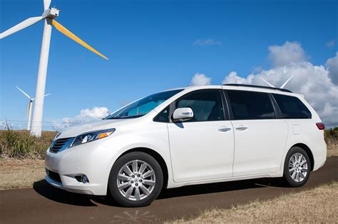 toyota sienna 2015 toyota sienna reviews and rating motor trend