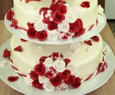 Hochzeitstorte Wei Rot by Hochzeitstorte Rot Wei 223 Alle Guten Ideen 252 Ber Die Ehe