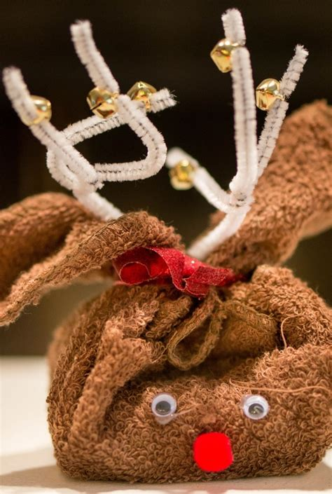 easy gifts to make at home reindeer gift allfreeholidaycrafts