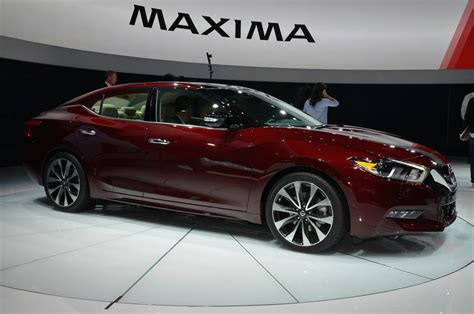 nissan maxima hybrid 2016 interview why nissan maximized the 2016 maxima s sheetmetal