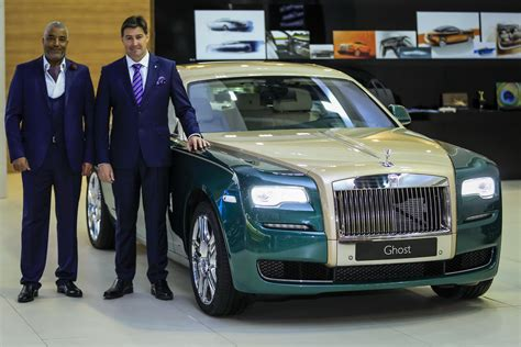 roll royce green rolls royce brings two special editions to dubai