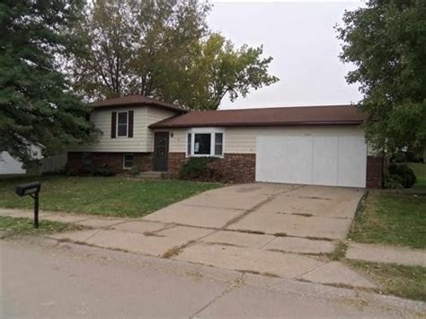 houses for sale in davenport iowa 3232 w 63rd st davenport iowa 52806 detailed property info foreclosure homes free
