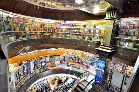 mustafa center shopping   guide  singapore