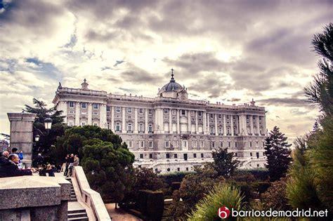 palacio real madrid entrada gratuita madrid de los austrias barrios de madrid