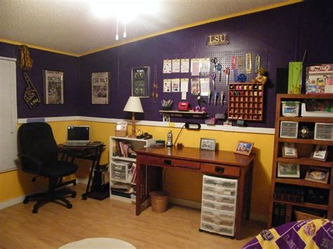 lsu bedroom ideas 17 best images about boys basement bedroom on pinterest