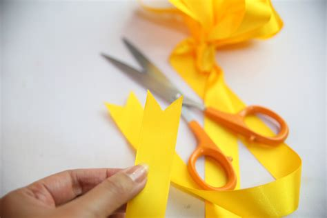 How To Make A Ribbon Bow Out Of Paper - how to make a bow out of a ribbon with pictures wikihow