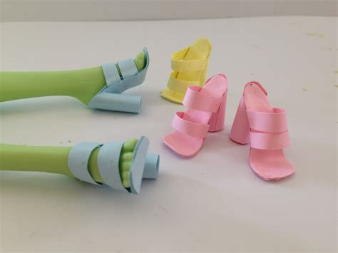 How To Make Shoes With Paper - how to make doll shoes using paper and glue stick alone