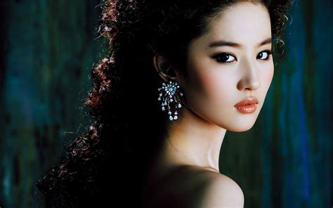 chinese actress hd wallpapers chinese actress liu yifei wallpapers hd wallpapers id
