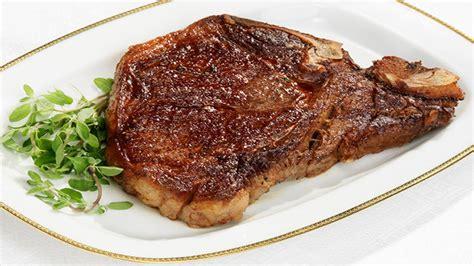 come cucinare una bistecca di manzo bistecca alla fiorentina scottata in padella ricette