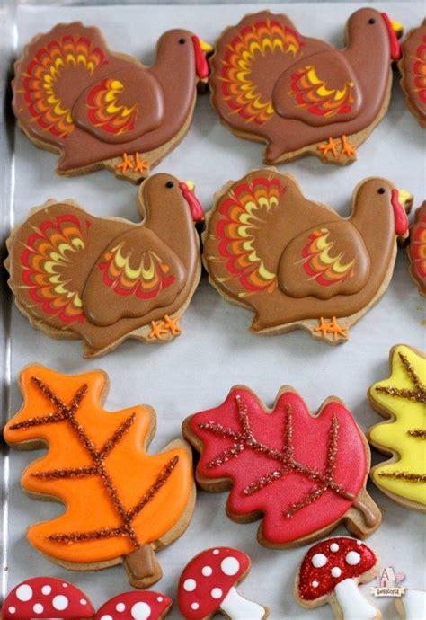 22 fall favorite cookie and cupcake recipes tutorials sweetopia