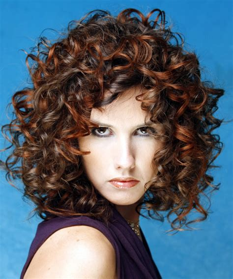 styles for curly layered hair using and combs 11 dreamy curly hair styles for medium length hair