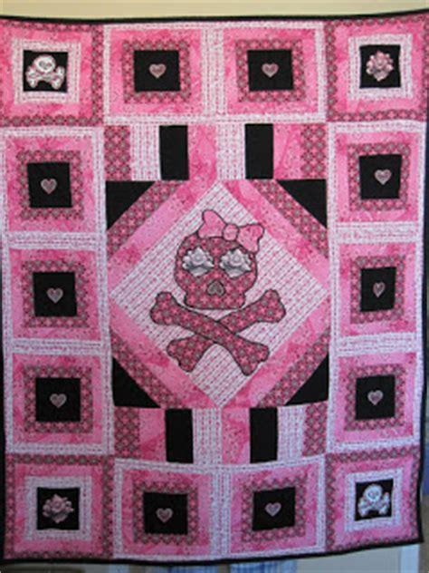 Skull Quilt Pattern by Liuliubee Skull Crossbones Quilt