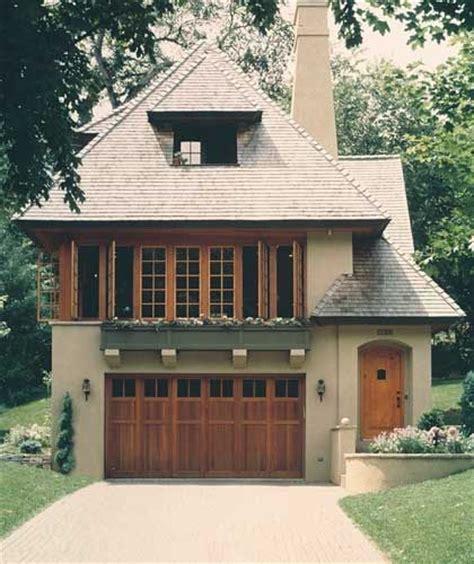 1000 Ideas About Tudor Decor On Pinterest Tudor Homes Tudor Style Carriage House Plans