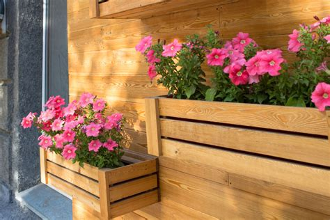 45 Beautiful Fence Planters Decorate Your Garden Fence Fence Planter Boxes