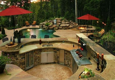 Backyard Designs With Pool And Outdoor Kitchen by 10 Outdoor Luxury Kitchen Designs Beautyharmonylife