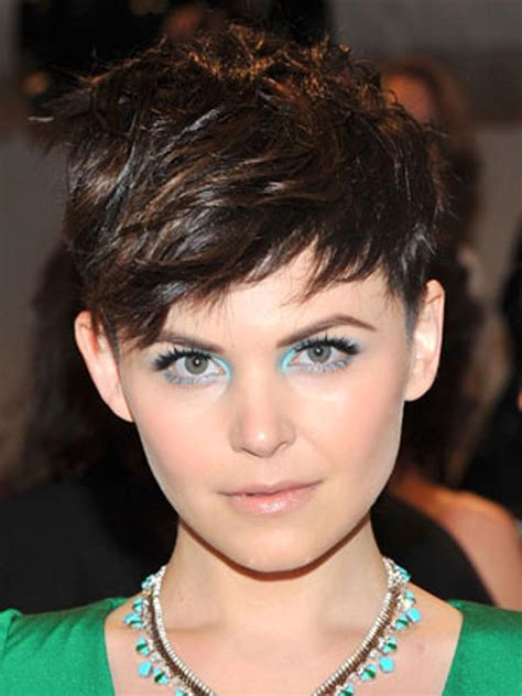 edgy spring 2015 haircuts for people with oval shape faces top short bob haircuts style samba