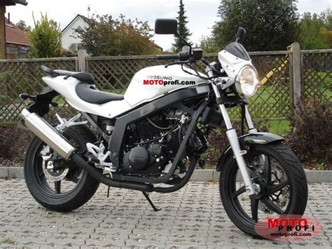 Lu Gt 125 hyosung gt125 2011 specs and photos