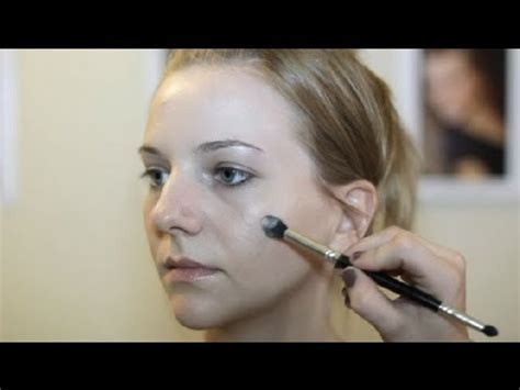 best haircut to disguise sagging jowls how to do makeup to hide sagging jowls makeup beauty
