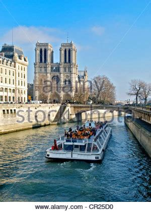 thames river in france city cruises pleasure boats on the river thames london