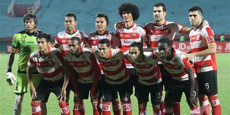 Kaos Bola 2 Bahagia Itu Madura United madura united layak menang dan puncaki klasemen bola net