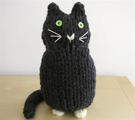 cat motif knitting pattern knitted things knitted cats